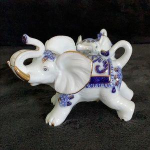 Accents - Porcelain Elephants